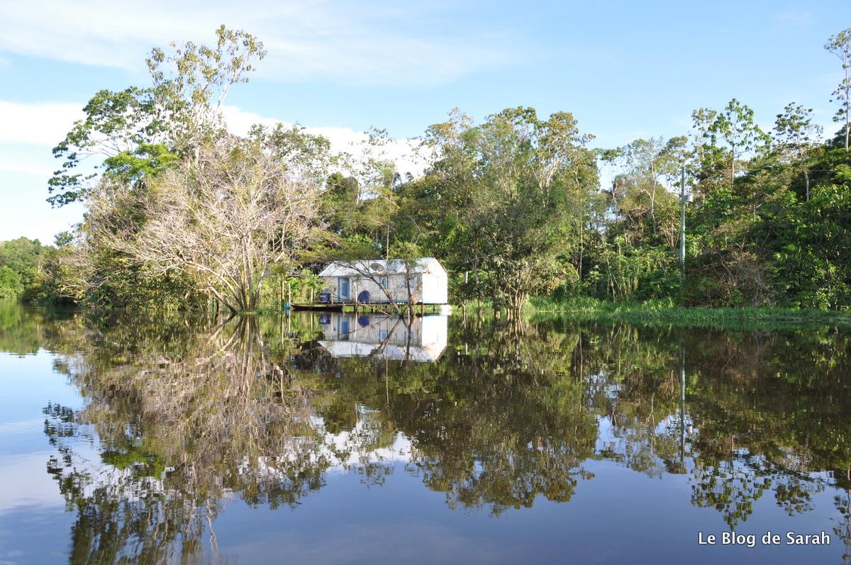 Casa de un pescador a orillas del Amazonas