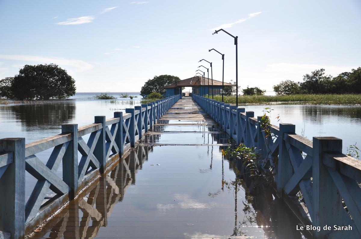 El pontón inundado de Alter do Chao