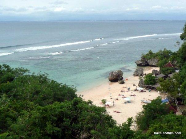 La playa de Padang Padang. Crédito de la foto: Emily Zanier Travel and Film