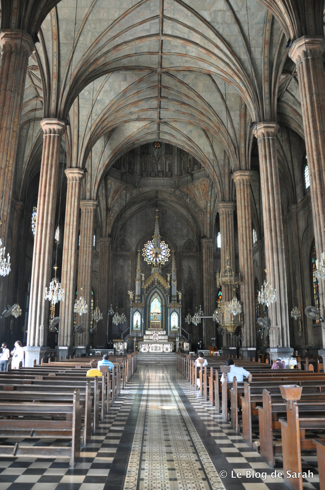 basílica manila interior acero