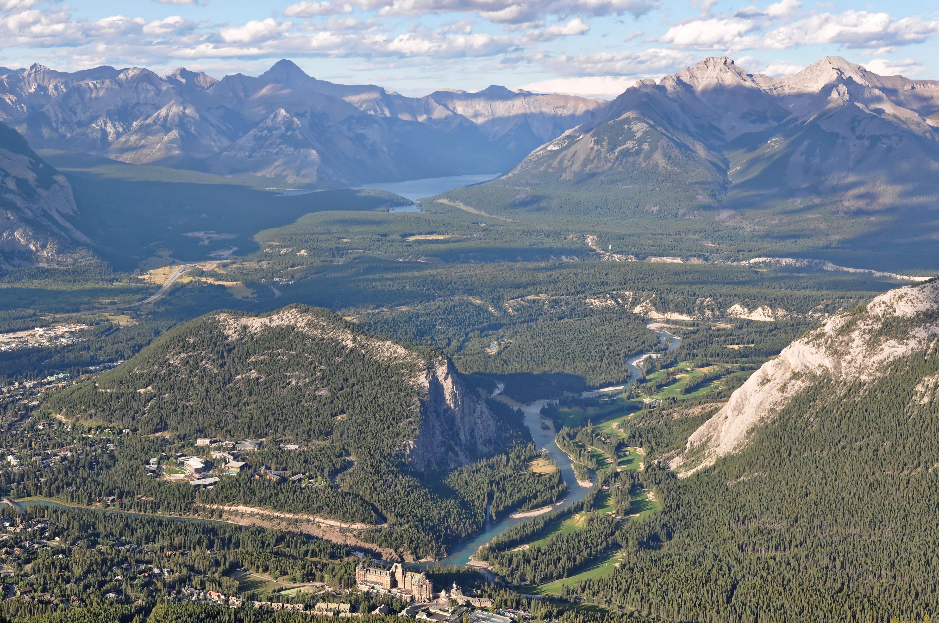 Vista desde la montaña Sulphur a la llegada de la góndola Banff