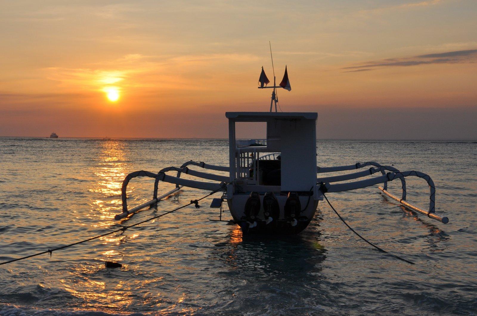 Puesta de sol sobre Nusa Lembongan