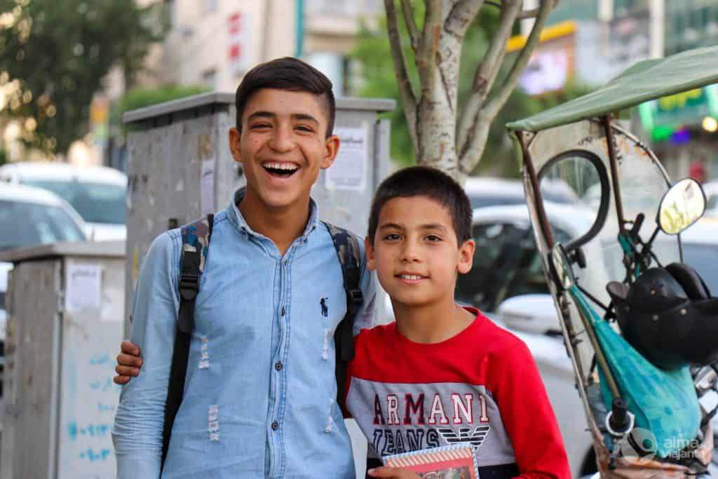 Niños en Teherán
