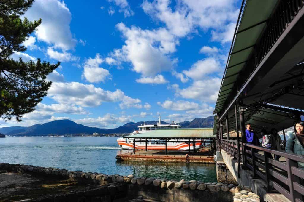 Cómo llegar a Miyajima: ferry