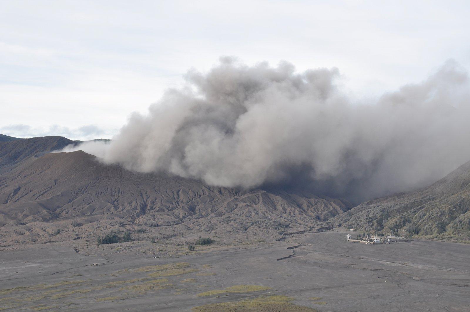 indonesia-volcán-bromo-erupción