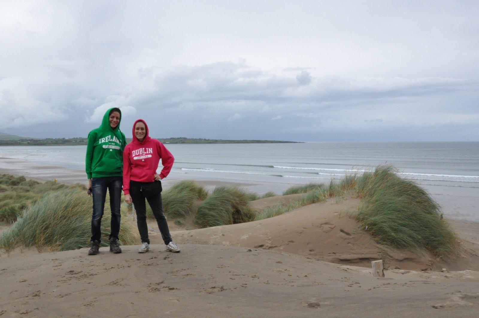 Con Emily en las dunas de Strandhill