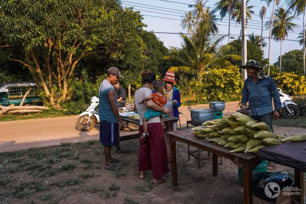 Mercado de Twesday Koh Mak