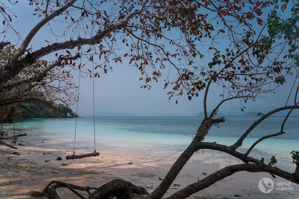 Playa desierta en Koh Wai