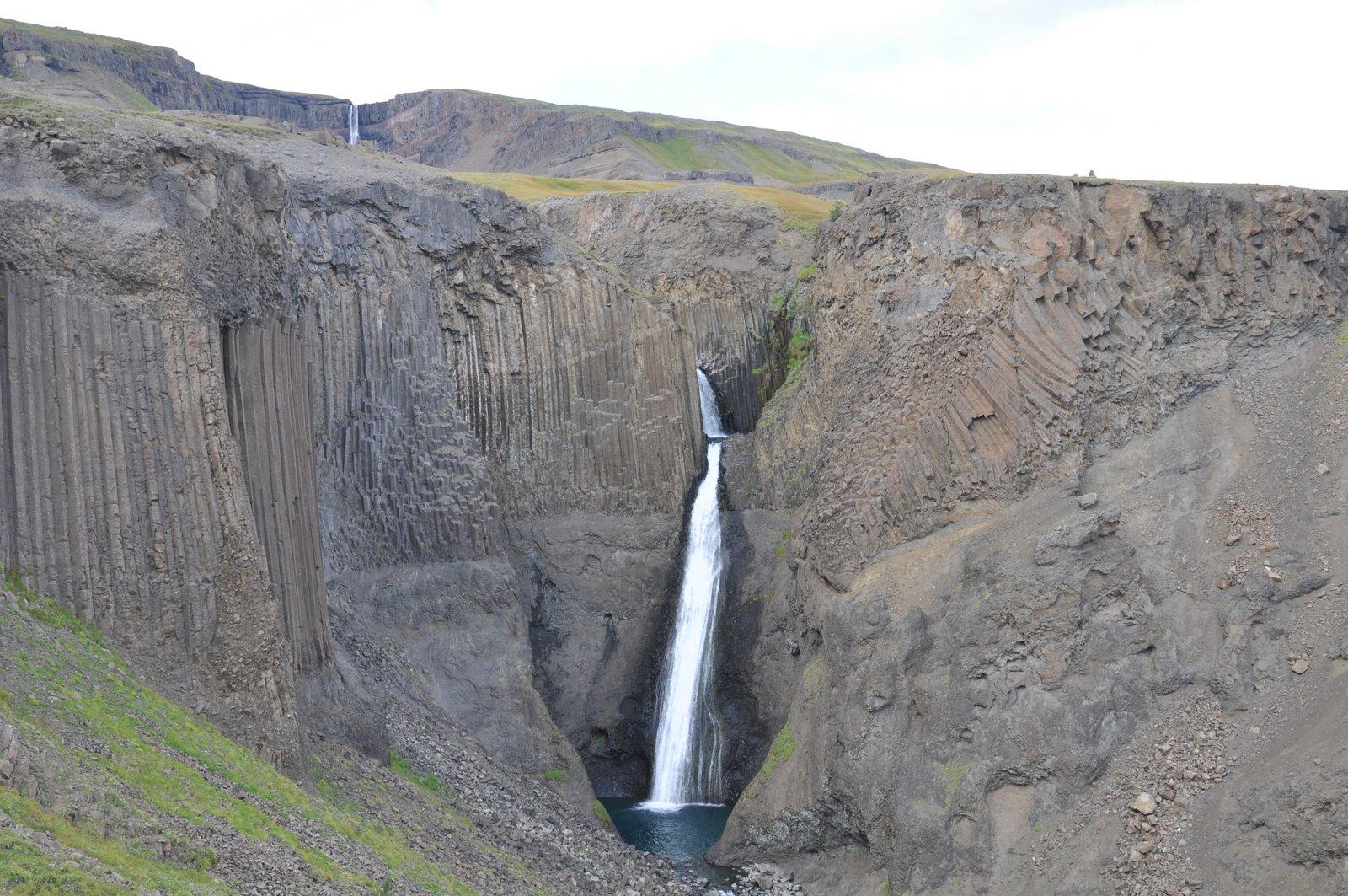 La cascada Litlanesfoss en Islandia