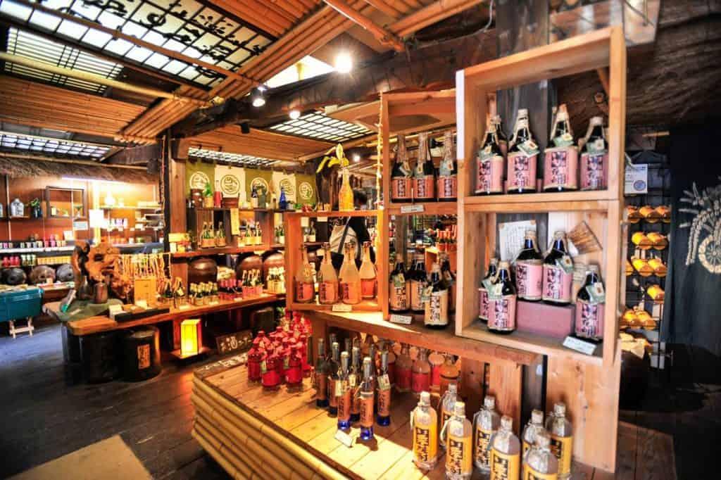 Comprar en la calle Omotesando en Miyajima