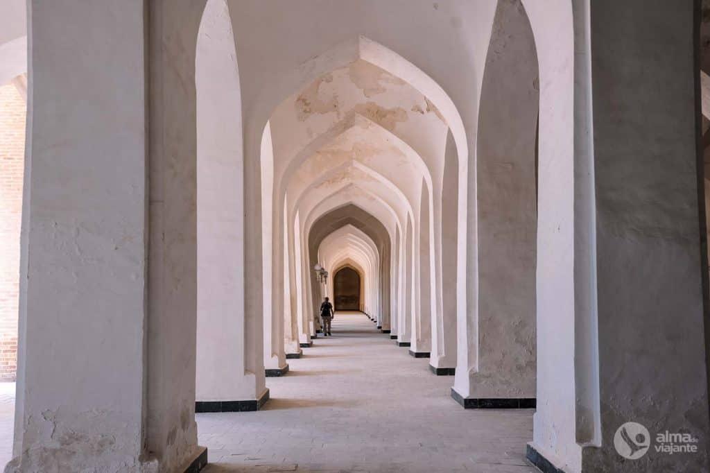 Mezquita de Kalan, Bujará