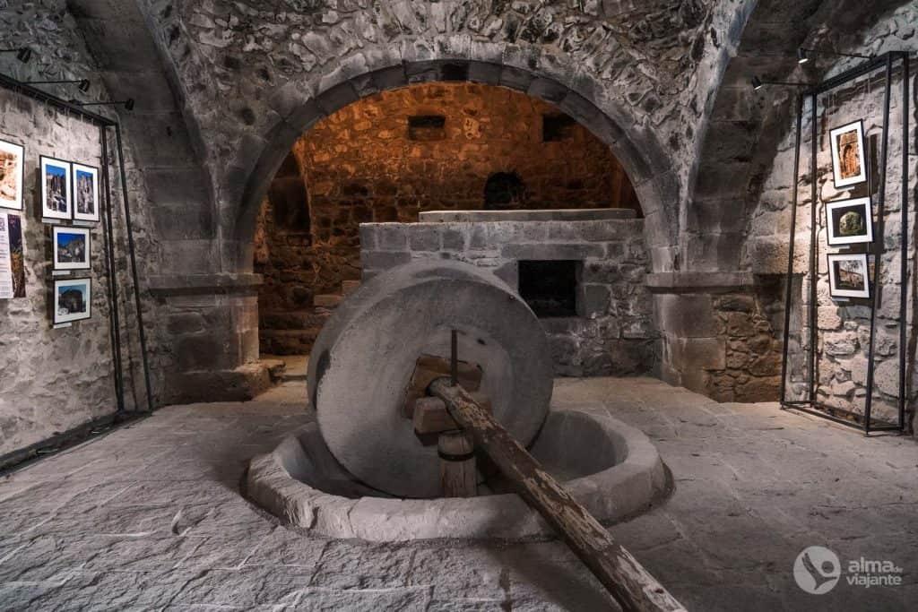 Molino de petróleo, Monasterio tatev