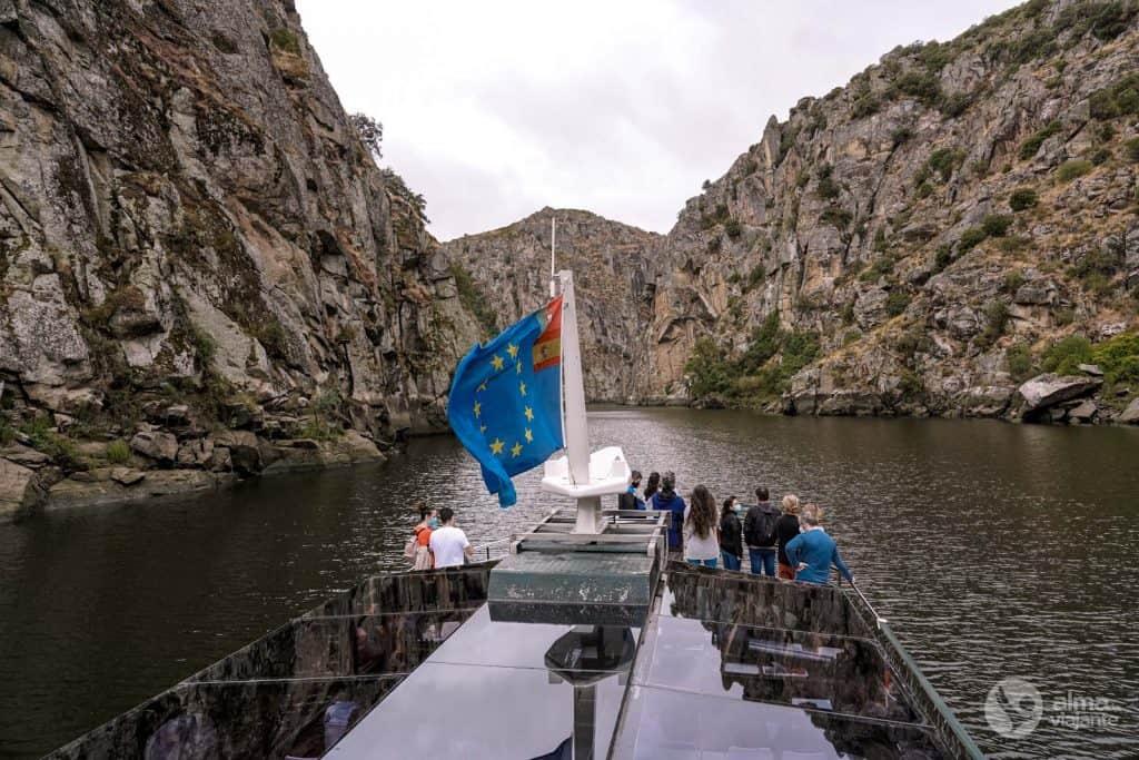 Viaje en barco en el Duero Internacional, desde Miranda do Duero