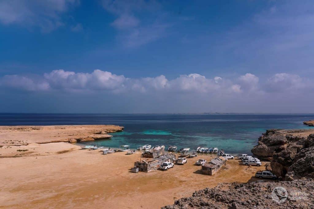 Puerto pesquero en la isla de Farasán