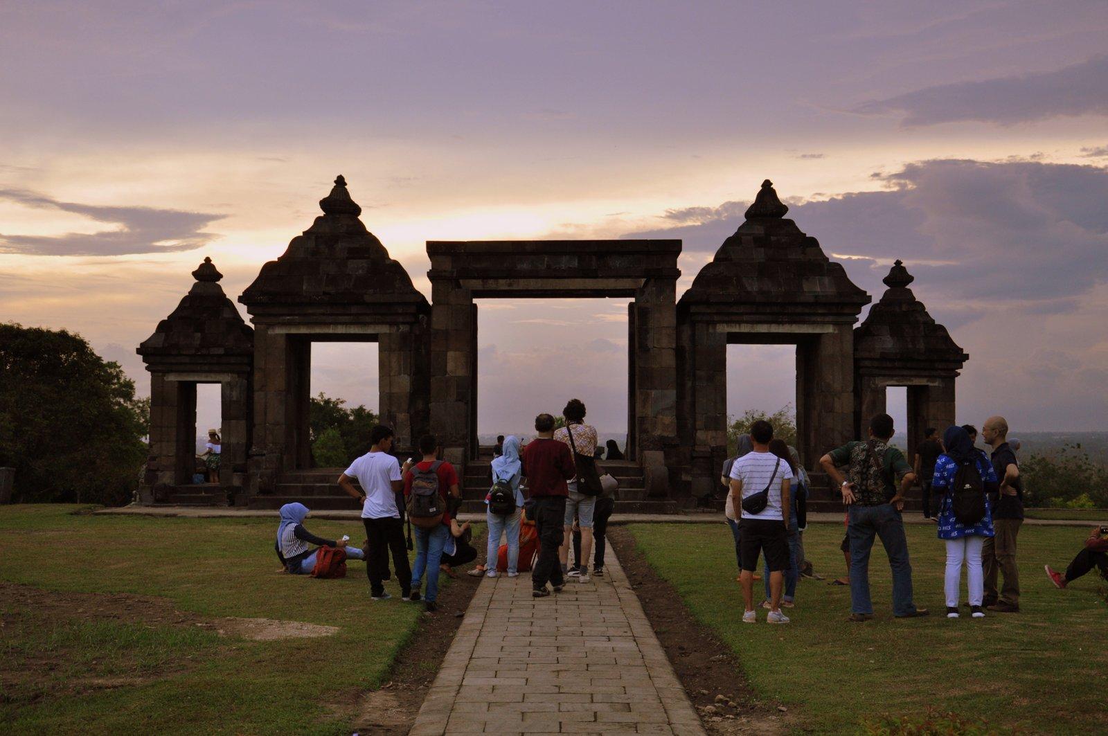 Puesta de sol en Ratu Boko en Indonesia