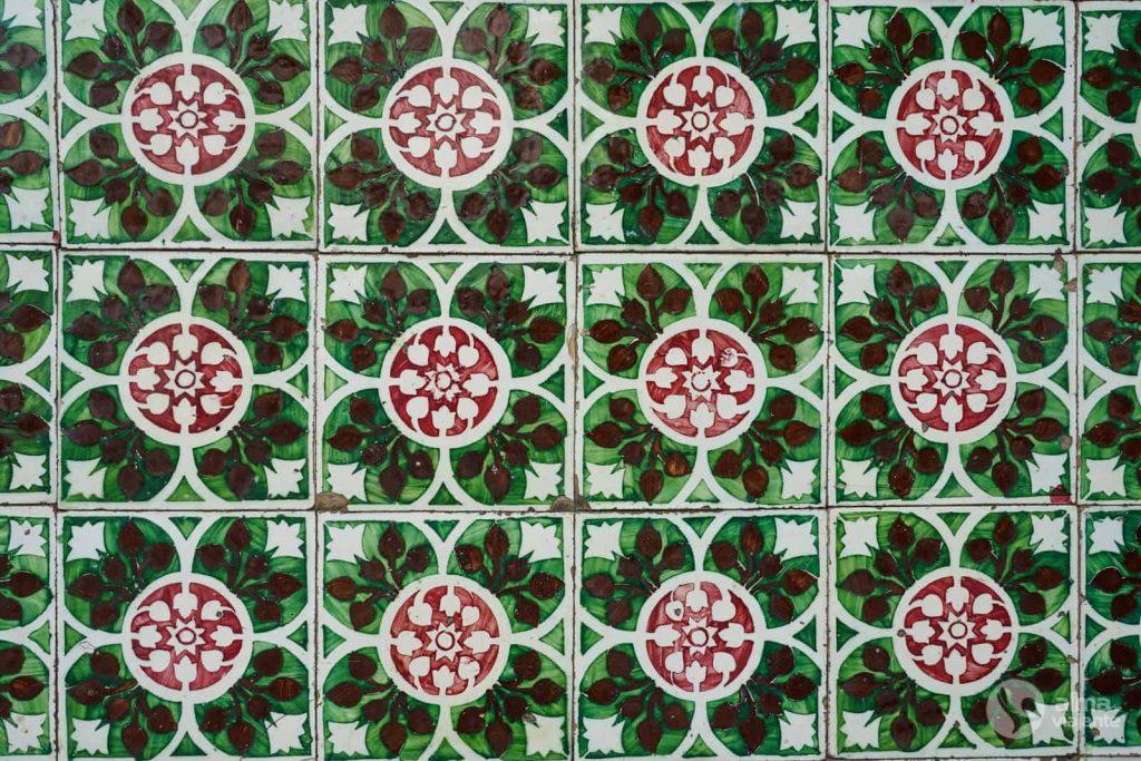 Panel de azulejos en la Rua do Azulejo en Ovar