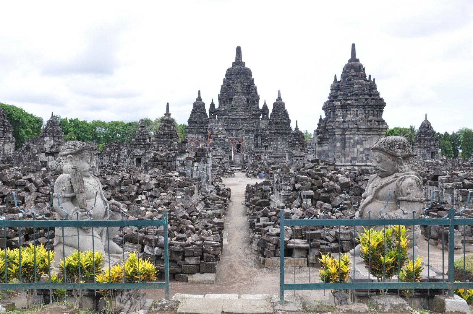 Templo Sewu, ubicado en el precinto de Prambanan