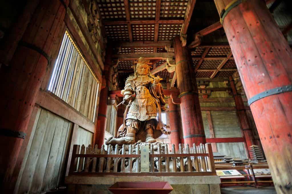 Qué hacer en Nara. visitar el Templo todai-ji