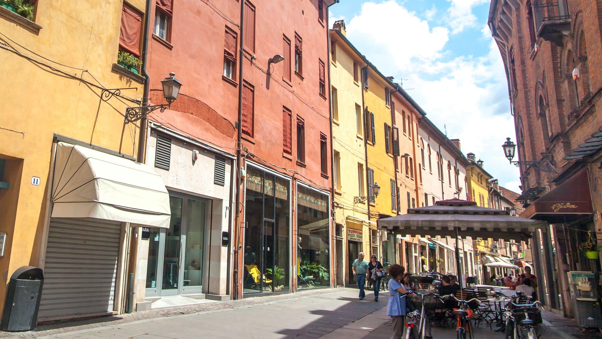 Bares de Ferrara