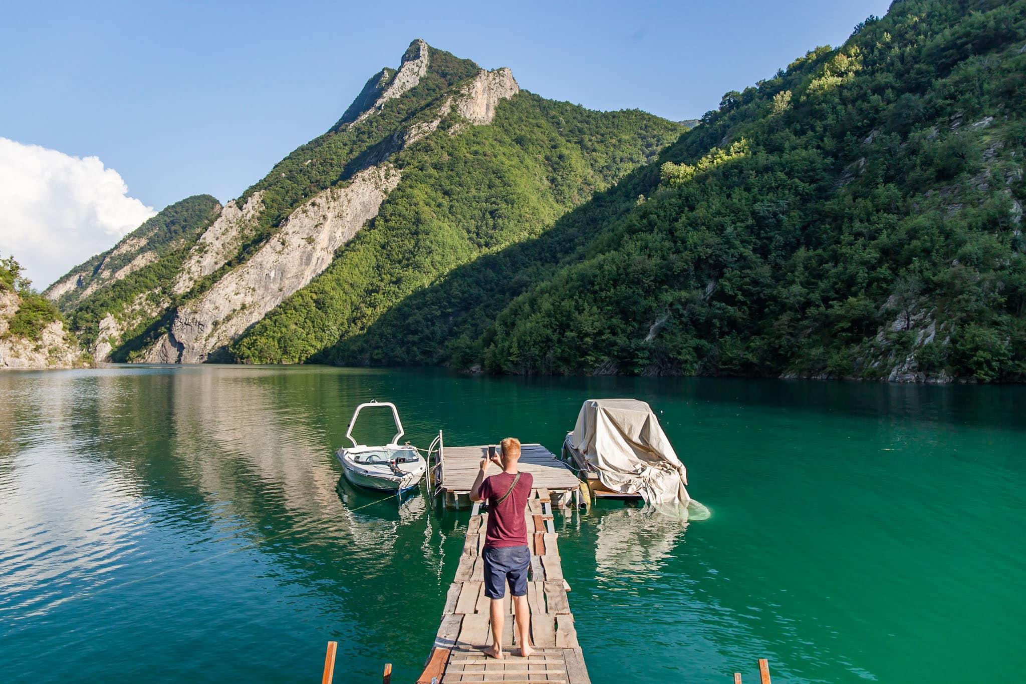 Ferry al Lago Komani