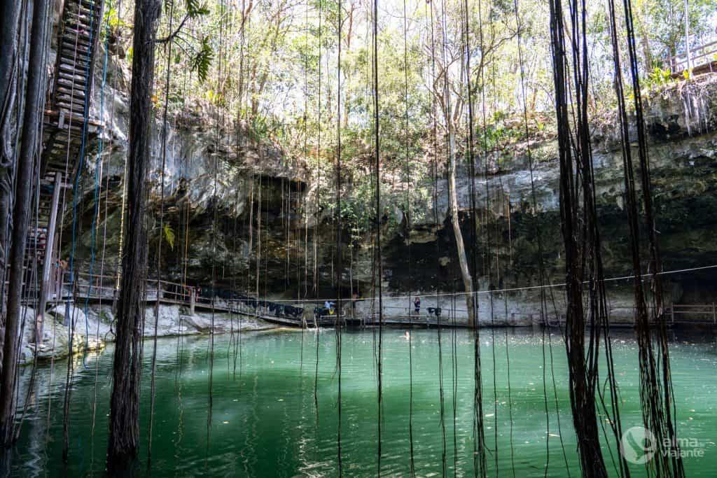 Cenote Xcanche, México