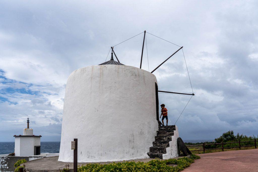Molinos de viento, Isla de Corvo, Azores