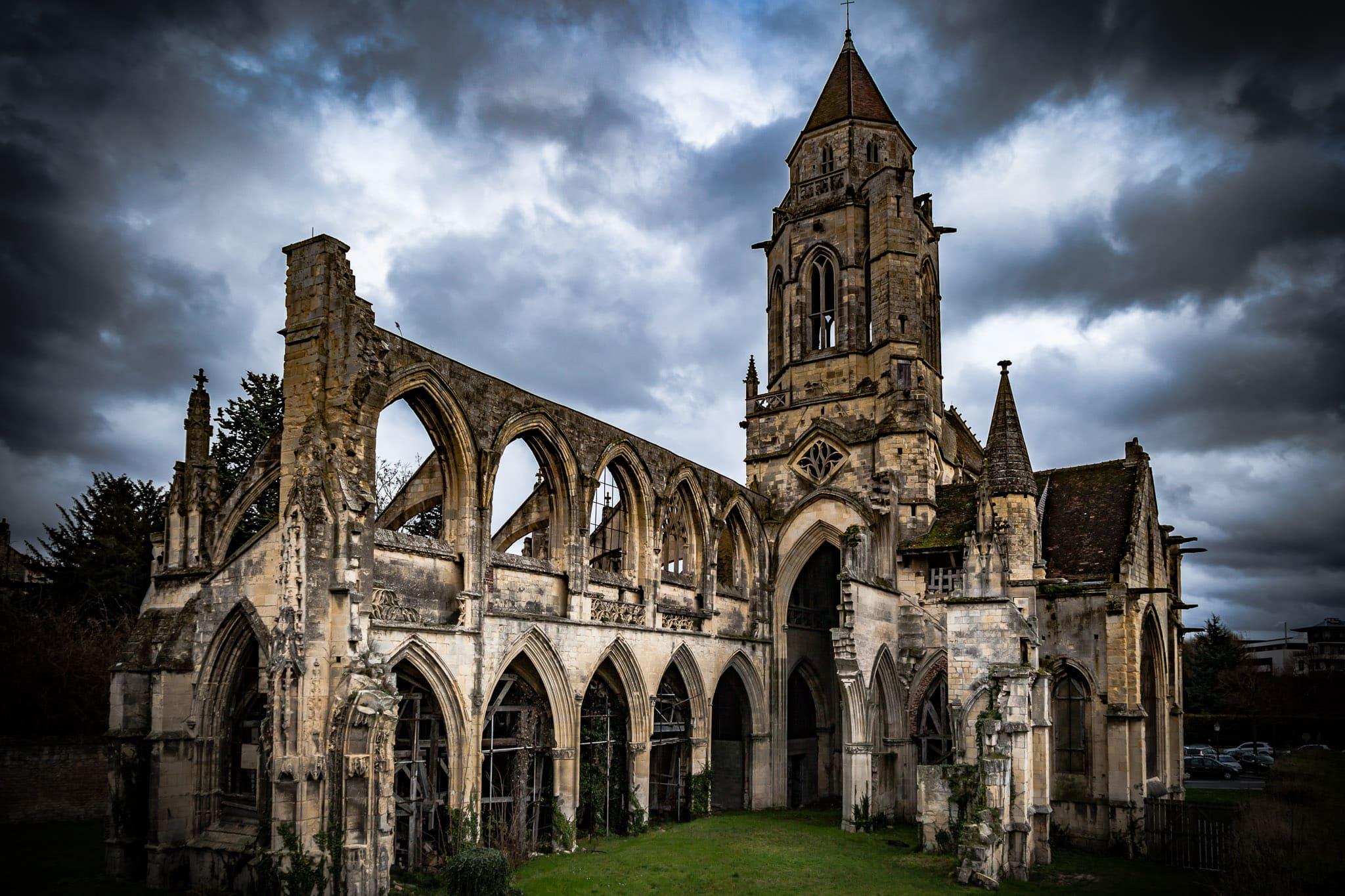 Iglesia abandonada Caen