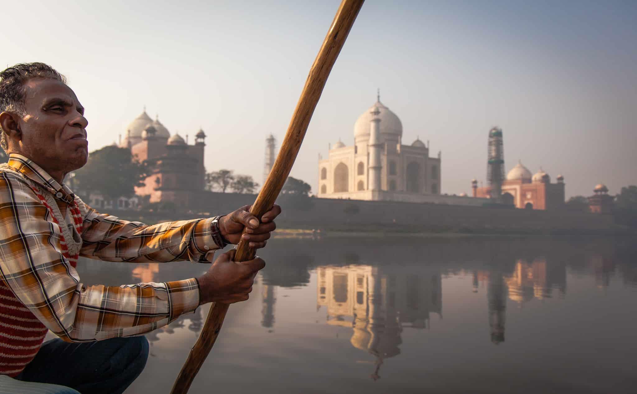Paseo en Barco por el Taj Mahal