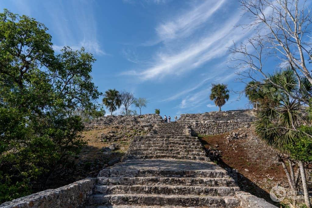 Cosas que hacer en Izamal: visita la pirámide de kinich kakmó