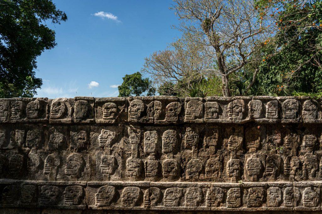 Qué visitar en Chichén-Itzá: plataforma de calaveras